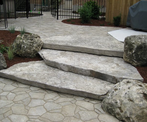 Paving Stone Pool Surround with Jumbo Slab Steps