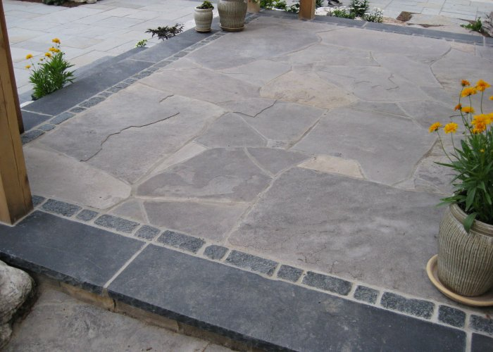 Flagstone Patio with Boarder